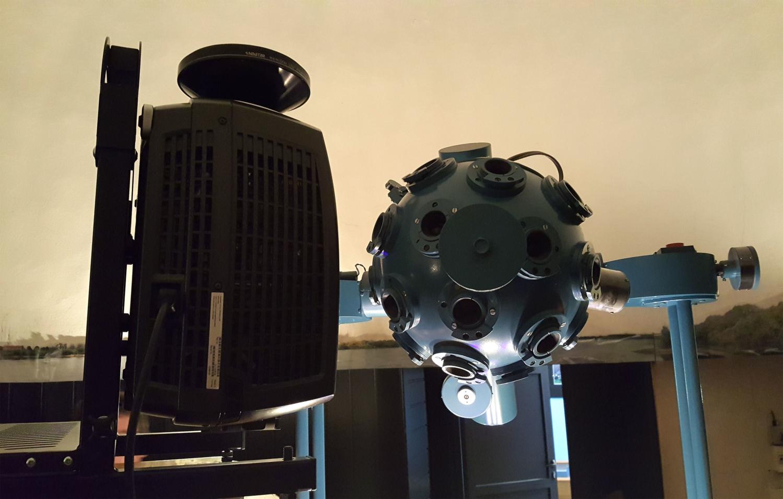 Test Projektora Cyfrowego dla Planetarium w Grudziądzu